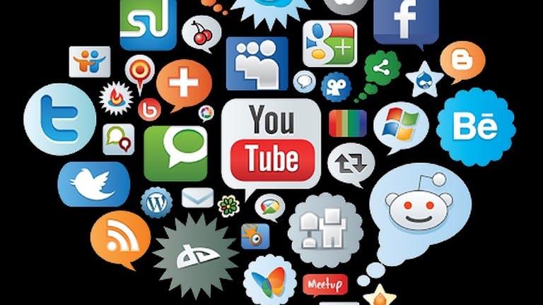 ฝ่ายการตลาด Social Network